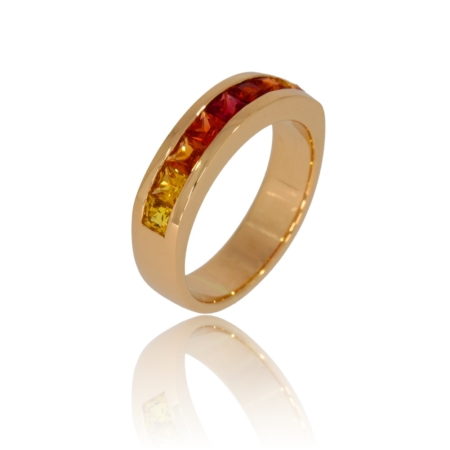 Sapphire pink gold ring with colours gradated from yellow to red.