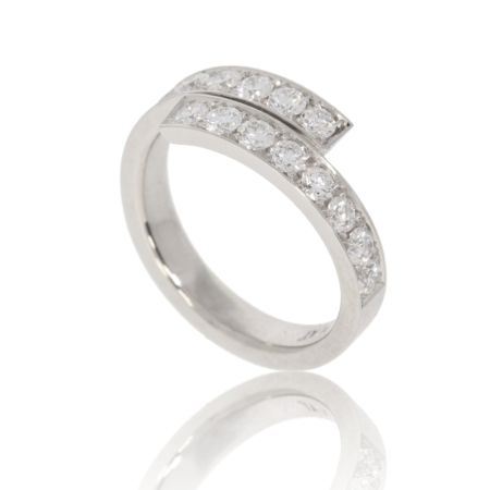 Platinum wrap ring with 16 pave-set diamonds