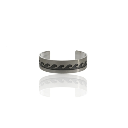 Silver oxidised wave pattern bangle