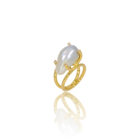 Barouqe natural pearl and diamond ring