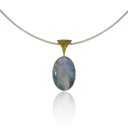 Silver labradorite pendant with patterned gold detail