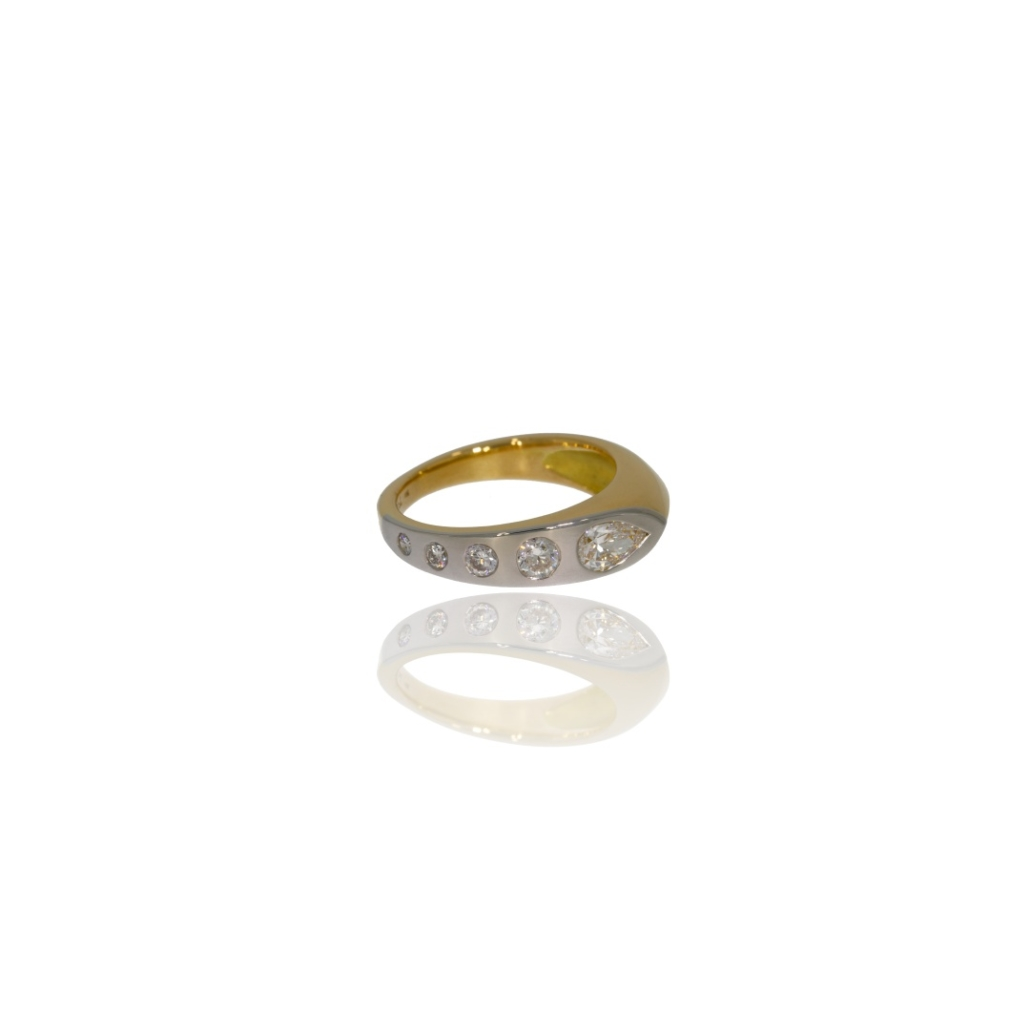 Yellow gold angled ring with a row of diamonds flush-set in platinum