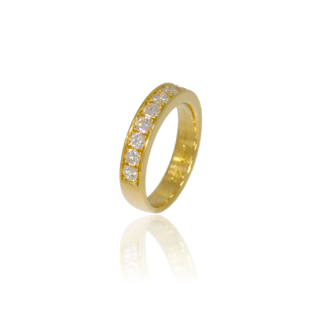 Half eternity diamond gold ring